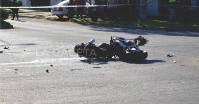 VIDEO Un hombre perdió la vida al colisionar a bordo de una moto
