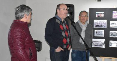 """Con una extraordinaria convocatoria se inauguró la muestra en adhesión al mundial """"Una historia de fútbol chivilcoyano"""""""