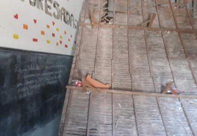 """""""El desprendimiento del armazón de madera, era una tarea programada"""""""
