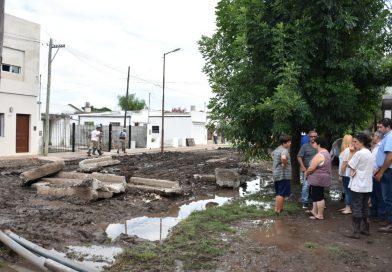El intendente municipal y su equipo visitaron a los vecinos de la calle Paso de la Patria, entre 23 y 25