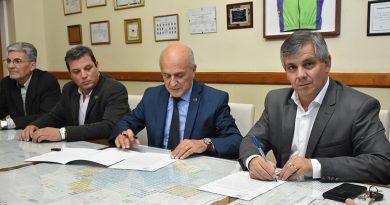 Britos firmó un convenio con la Universidad de Lujan para la carrera de Tecnicatura en Enfermería