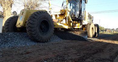 Reparación y colocación de piedra caliza en catorce nuevas  cuadras