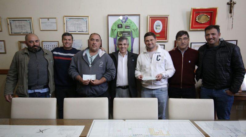 Britos, hizo entrega de dinero a los Clubes Florencio Varela y Gimnasia y Esgrima