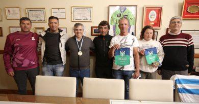 Fueron reconocidos por el intendente ciclistas chivilcoyanos campeones