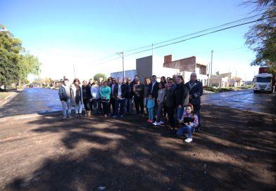 """""""Estoy feliz de estar comenzando la obra en el anteúltimo barrio de la ciudad comprendido en este Plan de 186 cuadras de asfalto»"""