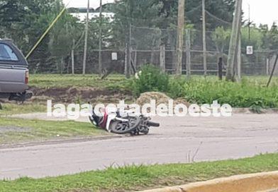 Una motociclista internada en el Hospital con distintas lesiones
