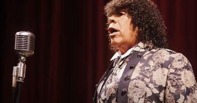 La Mona Jimenez reversionó el Himno, y se armo revuelo en las redes