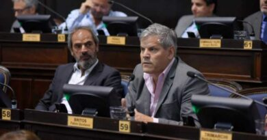 El bloque opositor de Giacobbe y Britos acompañó el pedido de endeudamiento de Kicillof