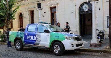 Salvar una vida a costa de exponer la propia. Tres mujeres policías aisladas.