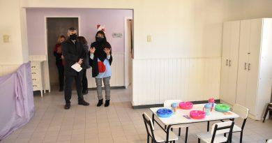 """Recorrida por el Jardín maternal municipal """"Estrellita de Belén"""" para observar las mejoras realizadas gracias al subsidio para la 1° Infancia"""