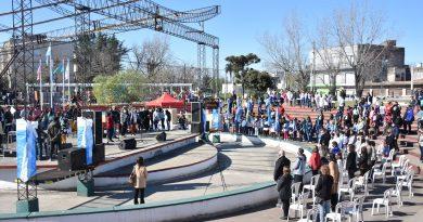 """Se llevó a cabo la Feria de Educación, Arte, Ciencia y Tecnología en el Anfiteatro Municipal """"Pueblos Originarios"""""""